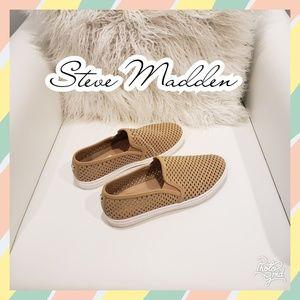 Steve Madden size 9 womens slip ons sneakers